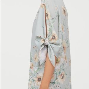 H&M Dress Tie-Detail Sleeve